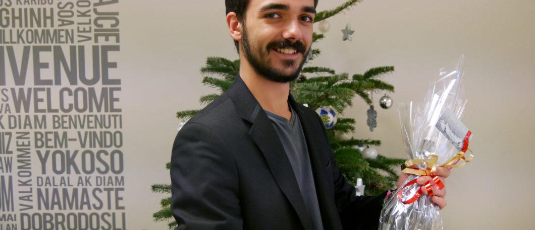 L'agent triple de Montpellier BS, c'est lui ! James, boursier d'encouragement académique 2016 est aussi responsable communication de l'association étudiante Oenophorie, et moniteur à la Direction communication !
