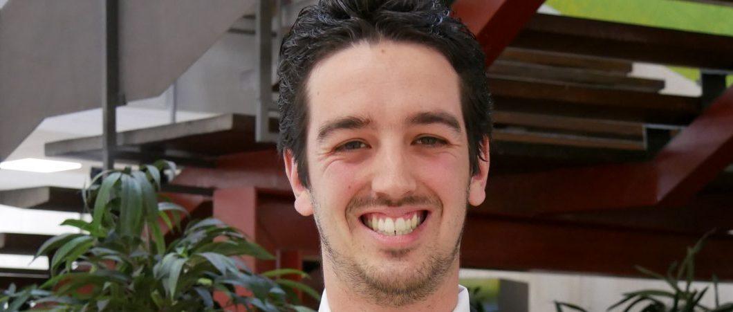« Montpellier Business School, c'est la chance de pouvoir construire son propre parcours pas à pas » témoigne Antonin, étudiant en 2e année de programme Bachelor à MBS