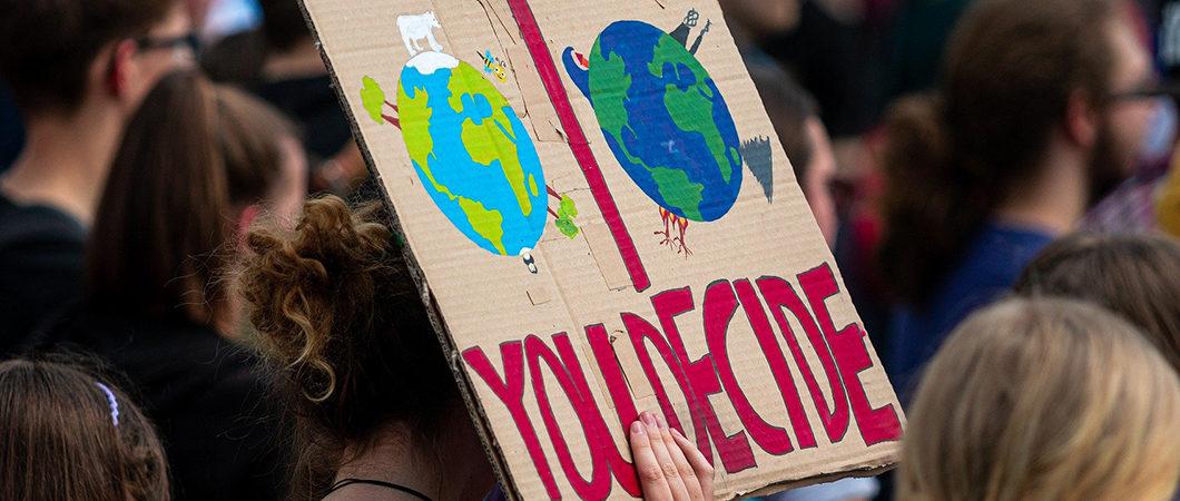 S'engager face à l'urgence climatique : Dr. Helen Etchanchu cofonde OS4future, un collectif de chercheurs en sciences de gestion qui vise à transformer les comportements et les organisations
